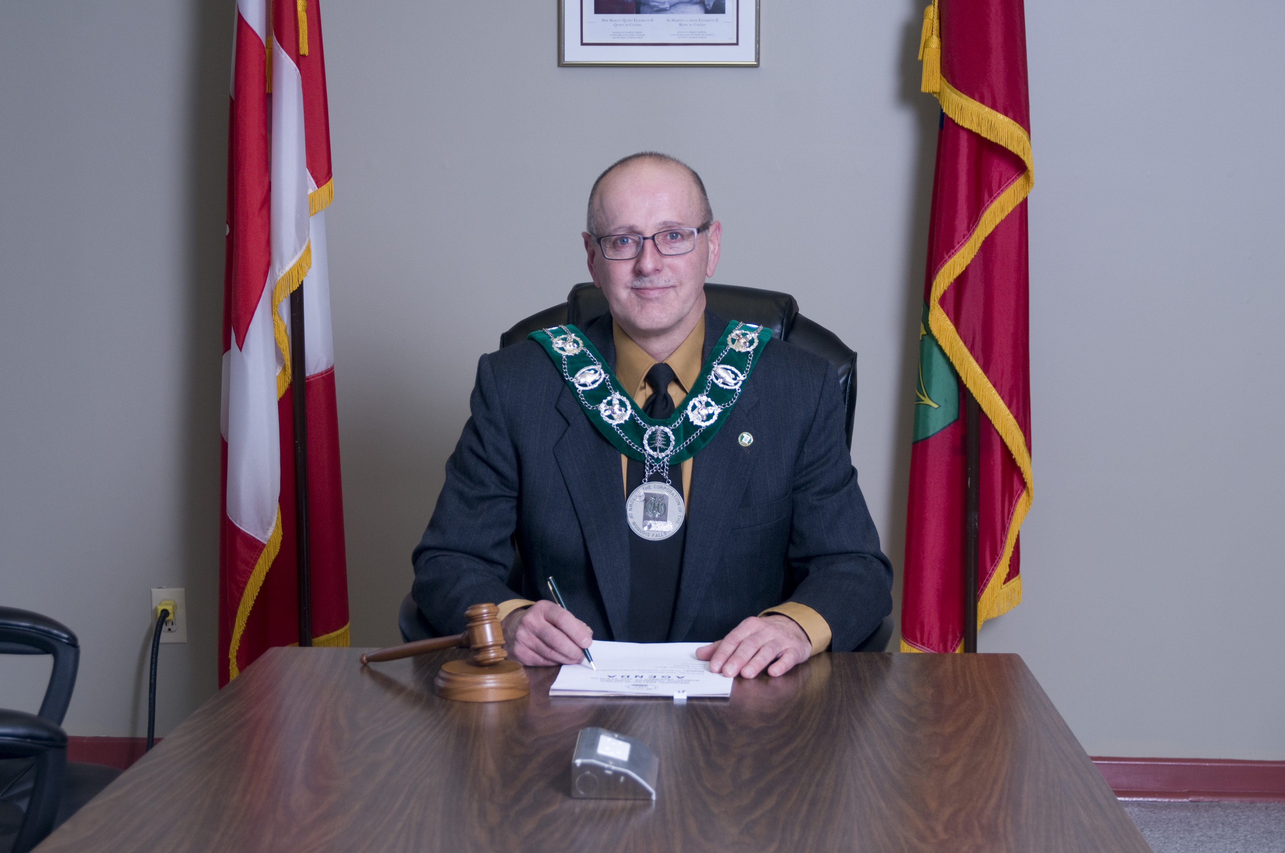 Photo of Mayor Shea